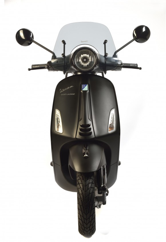 02-vespa-x-saint-laurent.jpg
