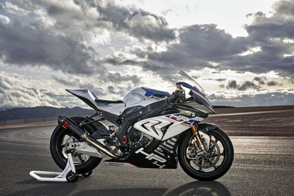p90254419_lowres_bmw-hp4-race-04-2017.jpg