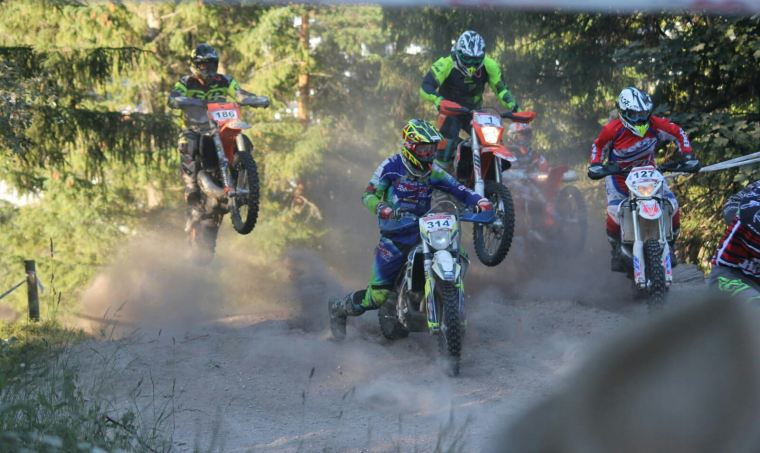 Petra Muigg Sieg: Hot - Mountain Enduro in Rohr am Gebirge