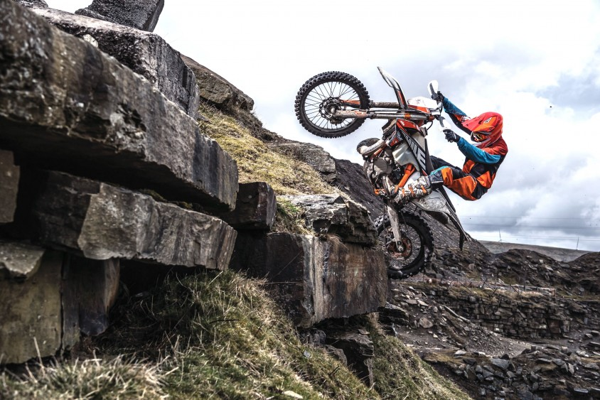 action_ktm_300_exc_tpi_six_days_my2019_03.jpg