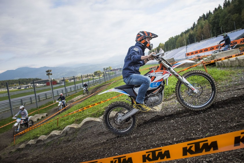 e-mobility_play_days_2017_e-driving_experience_ktm_c_philip_platzer_red_bull_content_pool.jpg