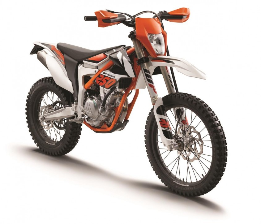 ktm_freeride_250_f_my_2018_studio_right_front.jpg