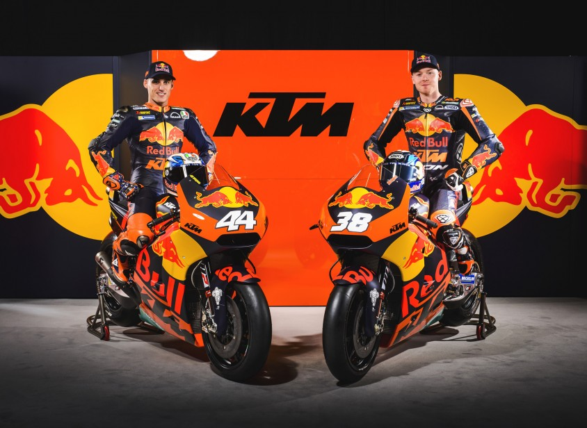 motogp_aut_2017_ktm_team_presentation_espargaro_smith_c_sebas_romero_red_bull_content_pool.jpg