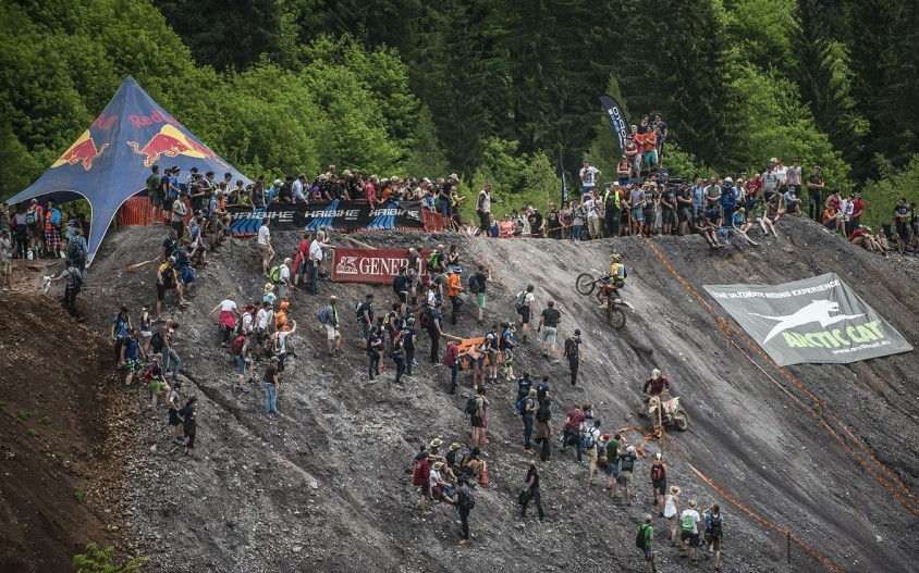 ebrxx4_action_01cerzbergrodeo.jpg