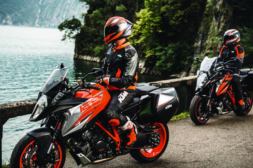 ktm_1290_super_duke_gt_my2018.jpg