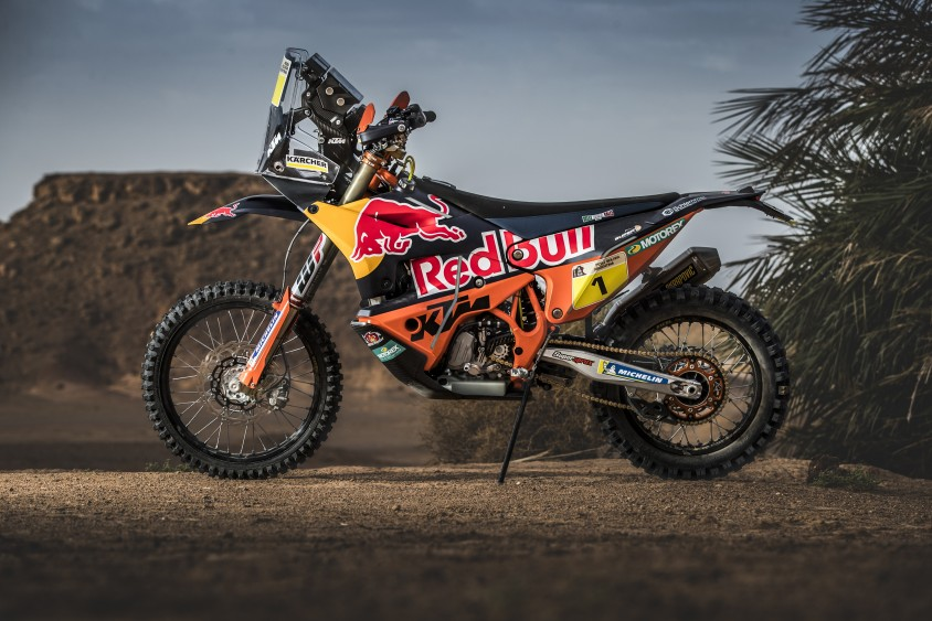 ktm_450_rally_prototype_static_01.jpg