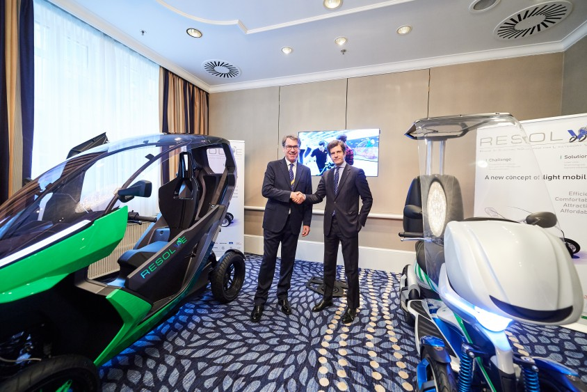 stefan_pierer2c_ktm_ag_and_michele_colaninno2c_piaggio2c_present_two_eu_funded_electric_prototypes.jpg