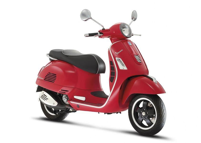 23_vespa_gts_300ie_super_2015.jpg