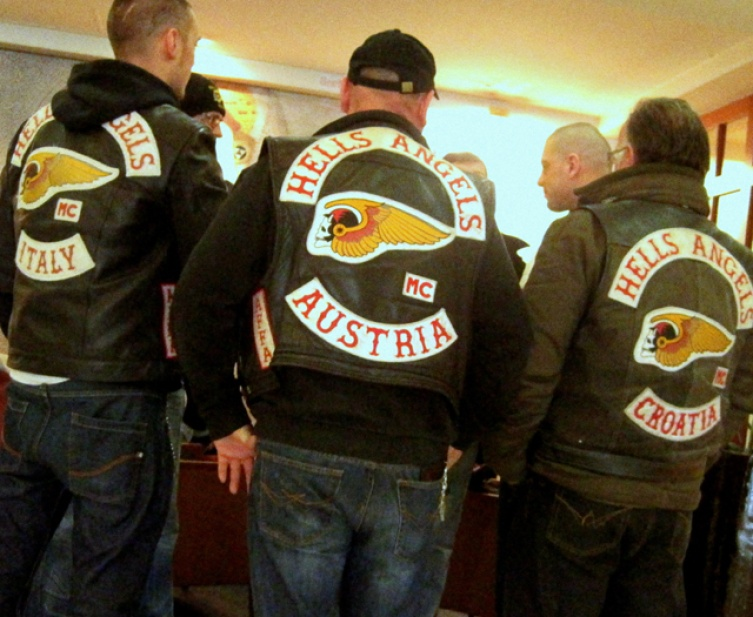 hells angels meeting in wien. Black Bedroom Furniture Sets. Home Design Ideas