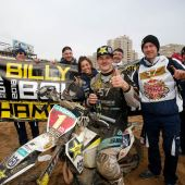Nach acht actiongeladenen Runden mit multidisziplinären Enduro-Rennen fuhr Billy Bolt als erster ULTIMATE ENDURO CHAMPION in die Rekordbücher der World Enduro Super Series.