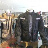 Die Revit Sand 3, die ultimiative Tourensport Jacke