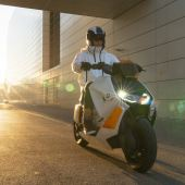 BMW : The new Motorrad Definition CE 04